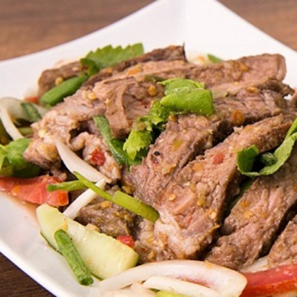 Grilled Beef Salad (Yum Nuer)