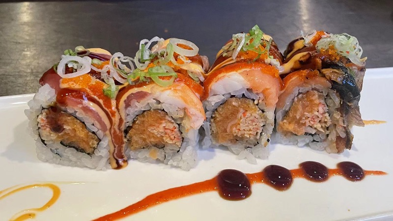 25. Spicy Girl Roll