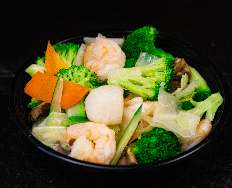 H 5. 水煮什菜干贝虾 Steamed Mixed Vegetable w. Shrimp & Scallop