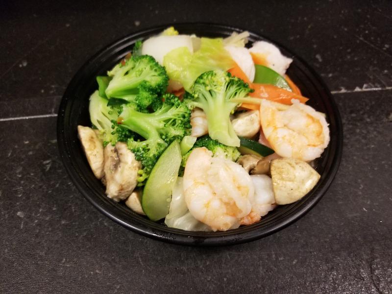 H 3. 水煮什菜虾 Steamed Mixed Vegetable w. Shrimp Image