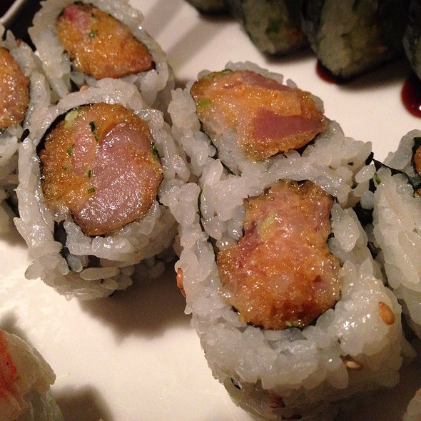 Spicy Yellowtail Roll Image