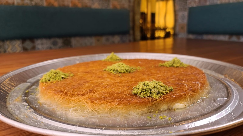 Super Sweet Deal - Famous Course Knafeh with Cream (1.5 Kg)