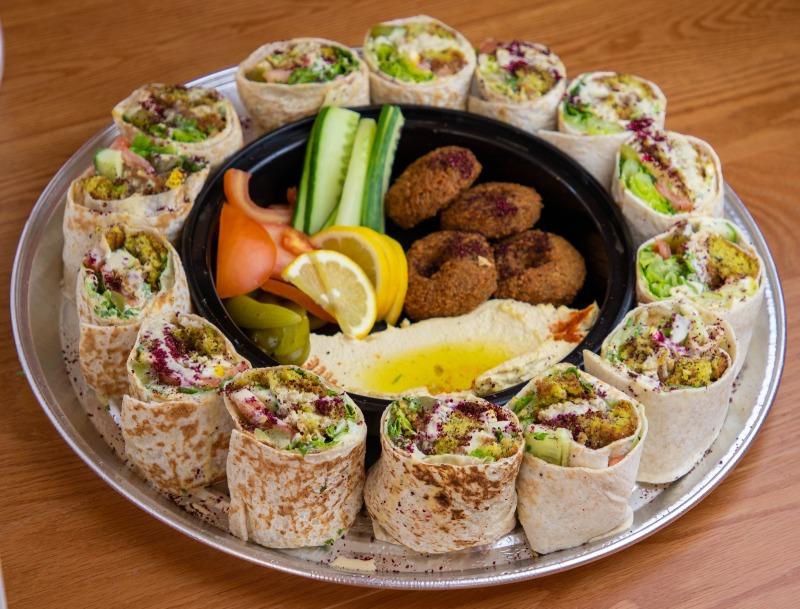 Familia Falafel Platter