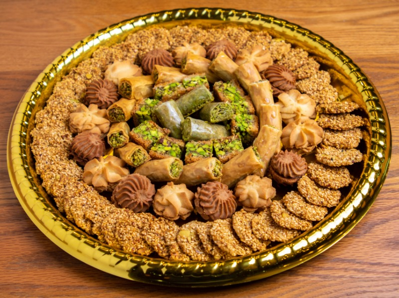 Mix Baklava & Cookies Tray