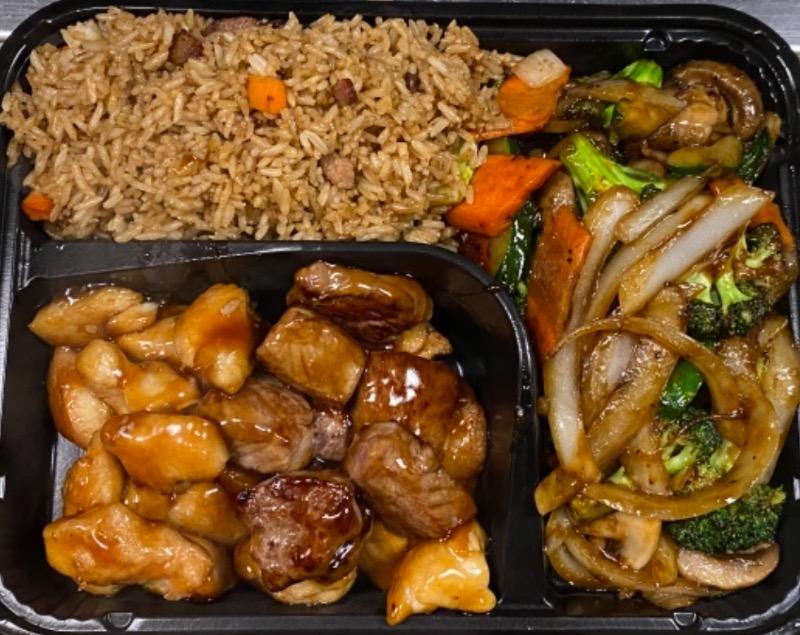 5.铁板鸡牛  Hibachi chicken and steak Image