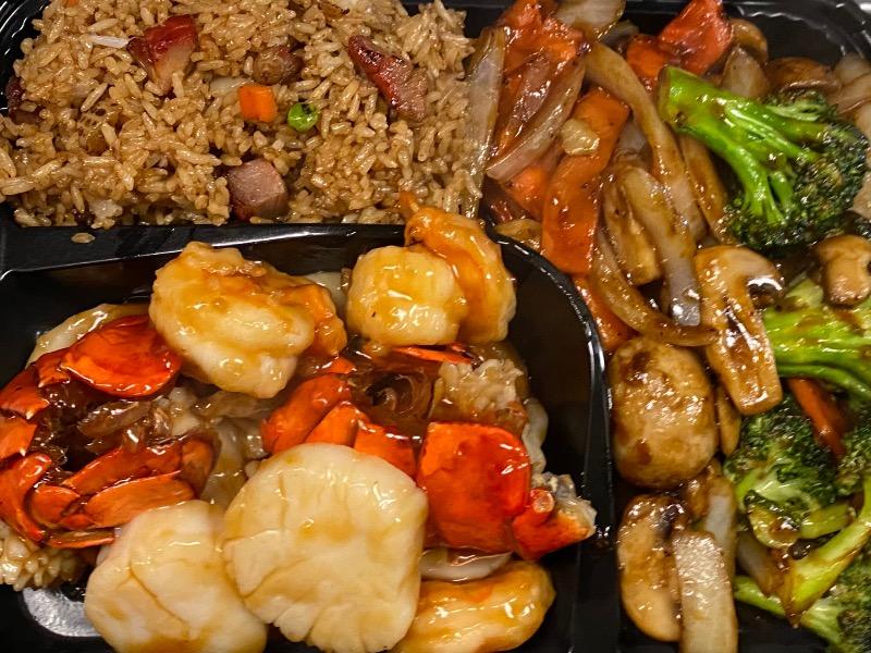 11. 铁板海鲜Seafood Delight