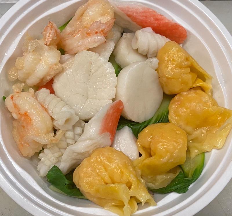 海鲜虾云吞汤面 Seafood Shrimp Wonton Noodle Soup
