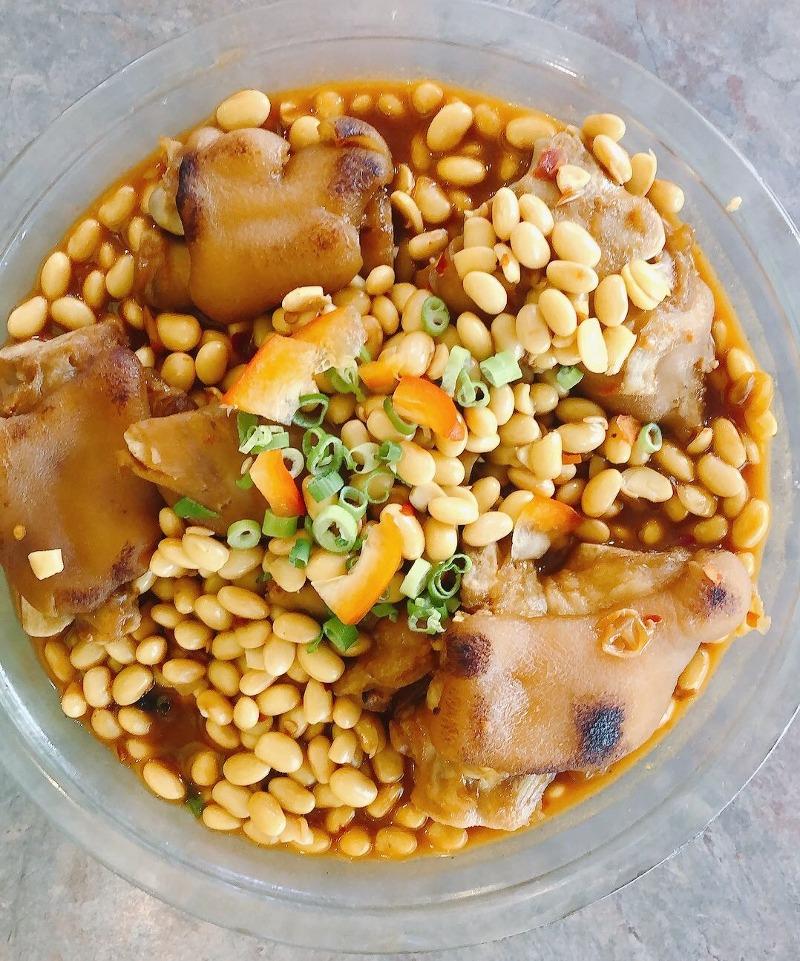Braised Pig's Trotters Soybean 黄豆焖猪蹄