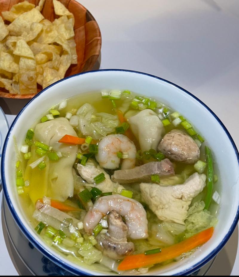 House Special Wonton Soup Image