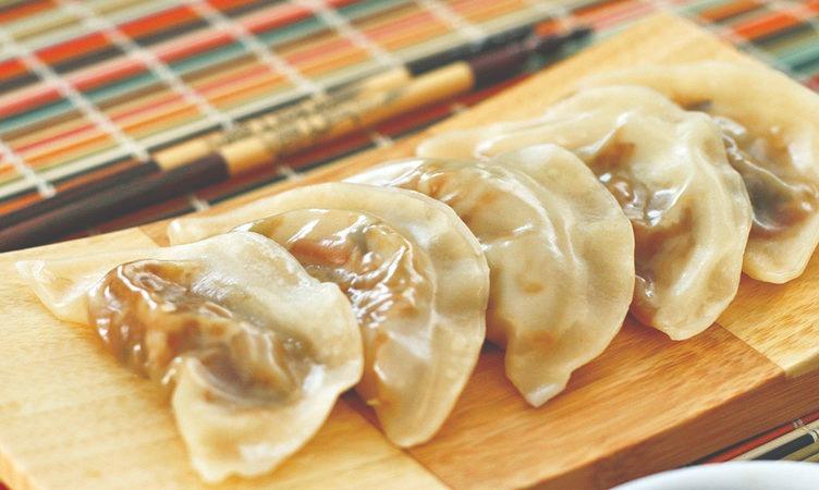 A6. Steamed Dumplings (6) Image