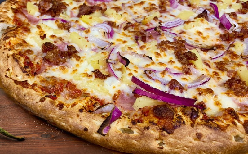 Lenzini's Hawaiian pizza Image