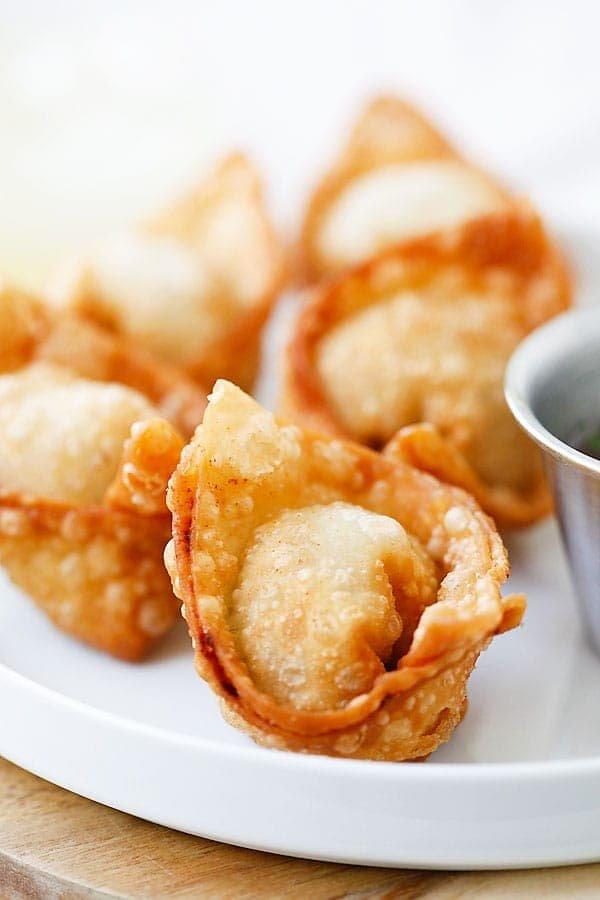 A4. Fried Wontons  (6)  炸云吞