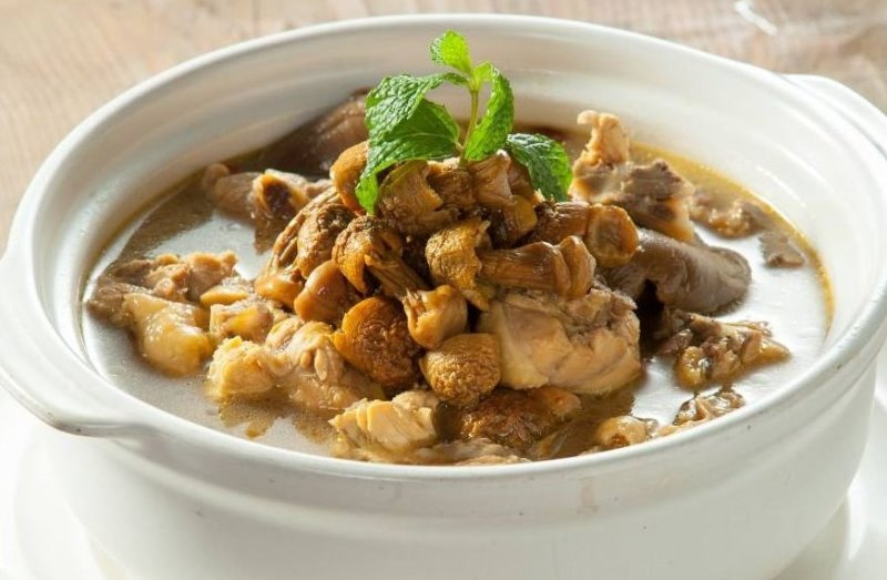 Chicken with Mushroom Stew  小鸡炖蘑菇