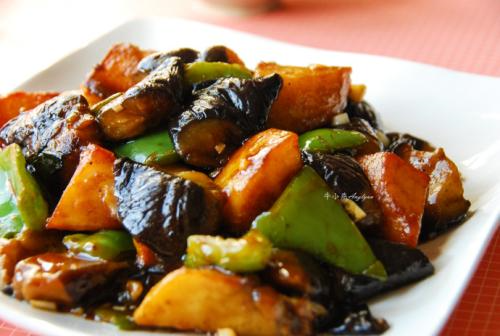 Stir-Fried Eggplant, Potato and Green Pepper  地三鲜
