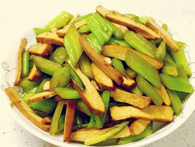 Celery w. Dried Tofu  香干西芹