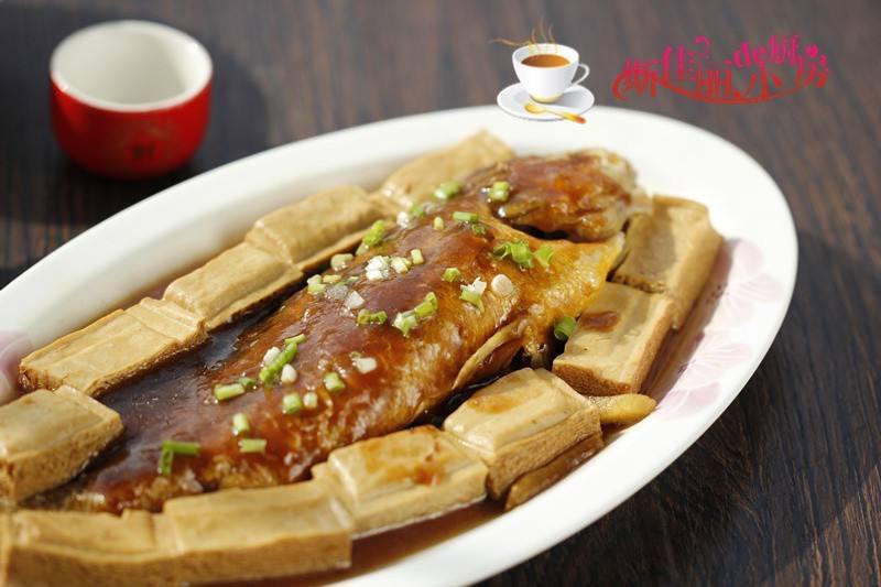 Braised Yellow Fish with Tofu 黄鱼焖豆腐