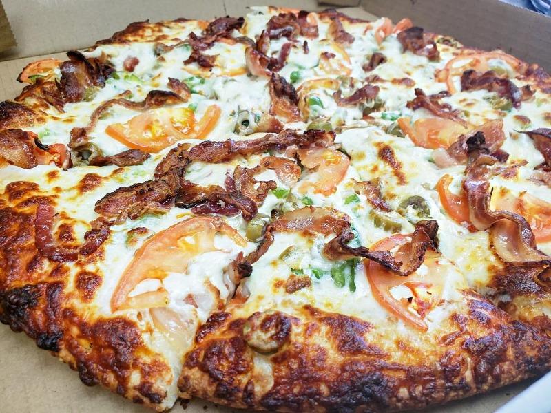 Lorenzo's Pizza Image