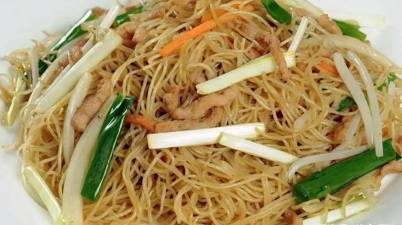 36. Chicken Chow Mai Fun