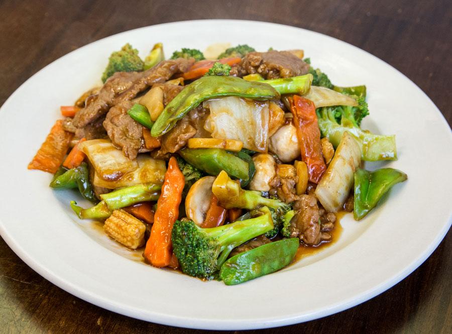 105. Beef w. Chinese Veg