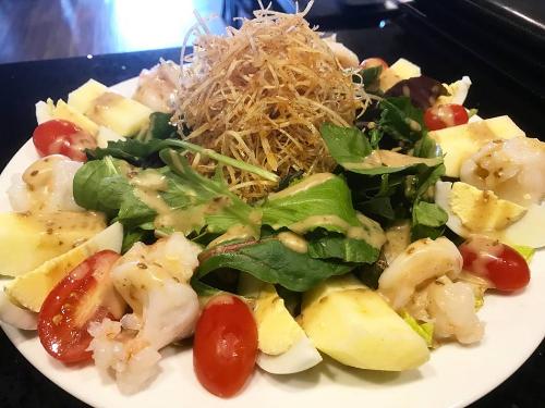 Jumbo Shrimp Salad Image
