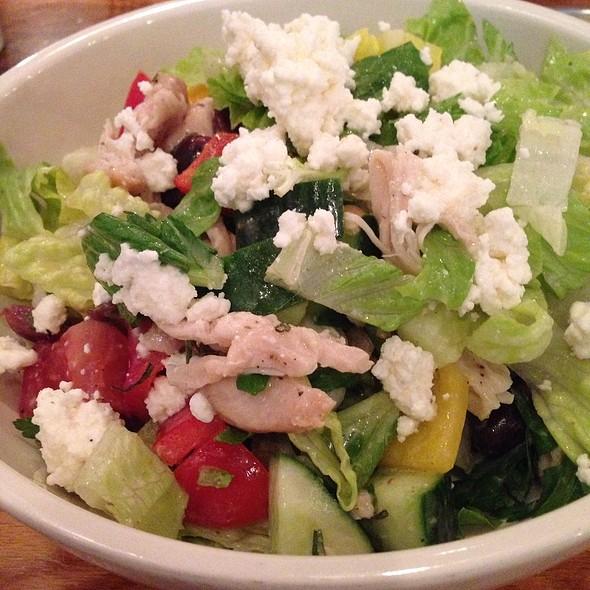 Signature - Mediterranean Chicken Salad