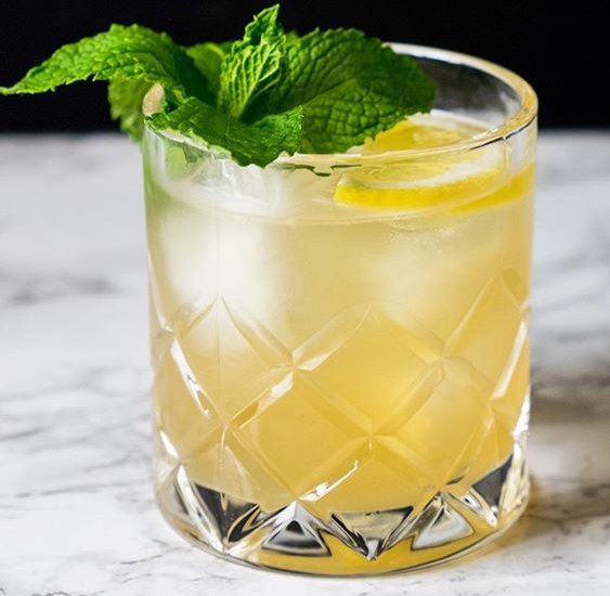 Whiskey Ginger Smash