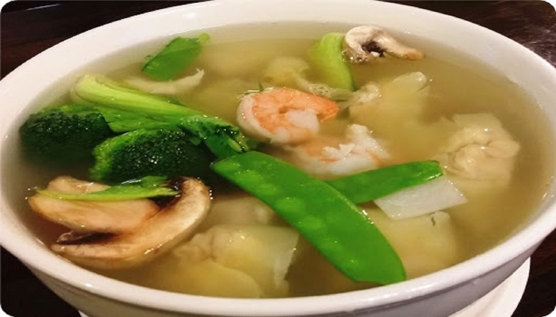 26. Subgum Wonton Soup (For 2) 什锦云吞汤