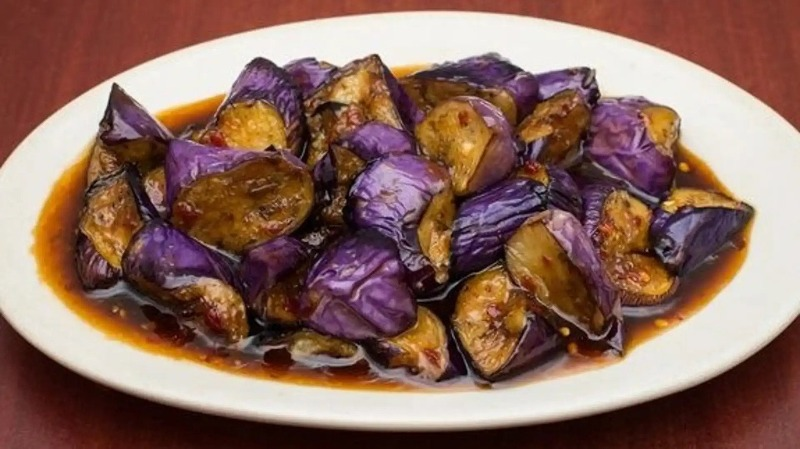 71. Eggplant w. Garlic Sauce 鱼香茄子 Image