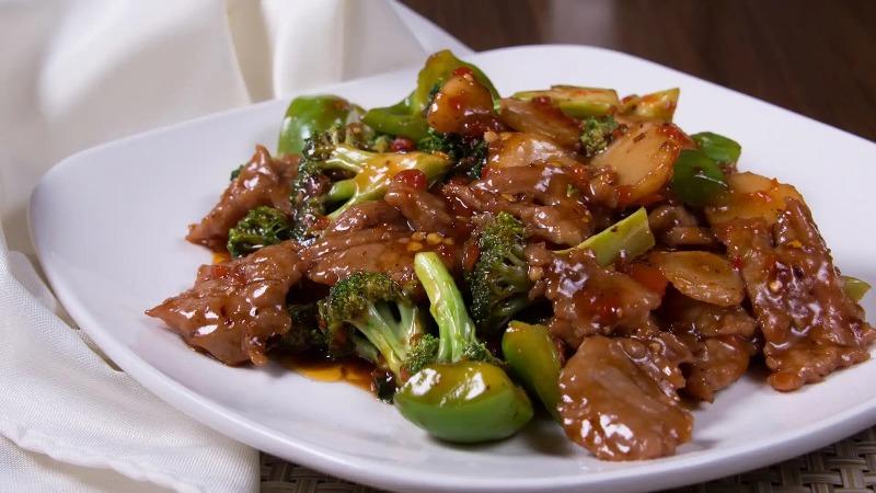 110. Beef w. Garlic Sauce 鱼香牛