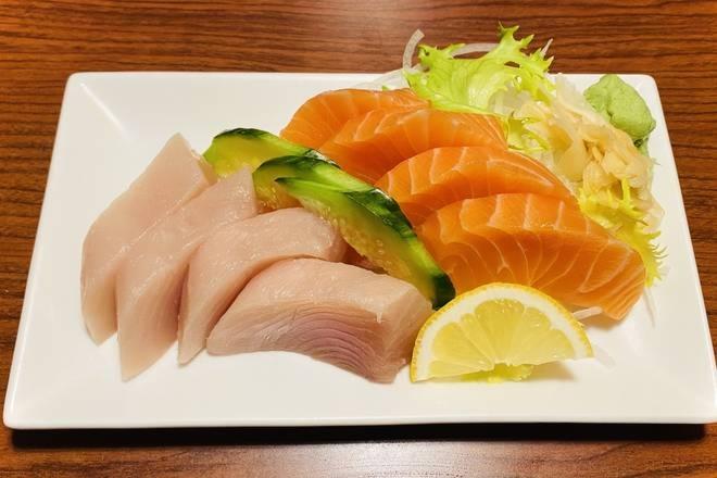 Tuna & Salmon Sashimi (8 pcs)