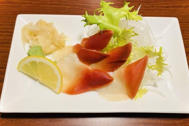 Hokkigai Sashimi Image