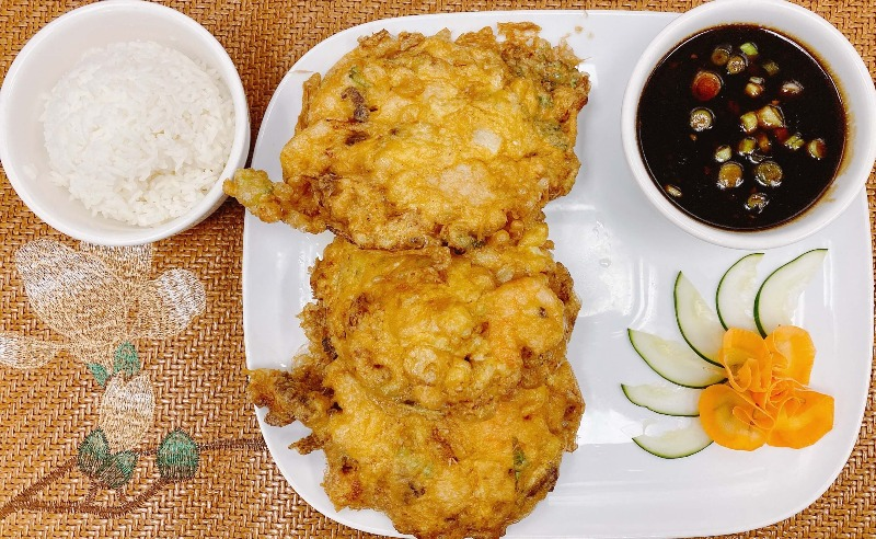 H19. House Special Egg Foo Young
