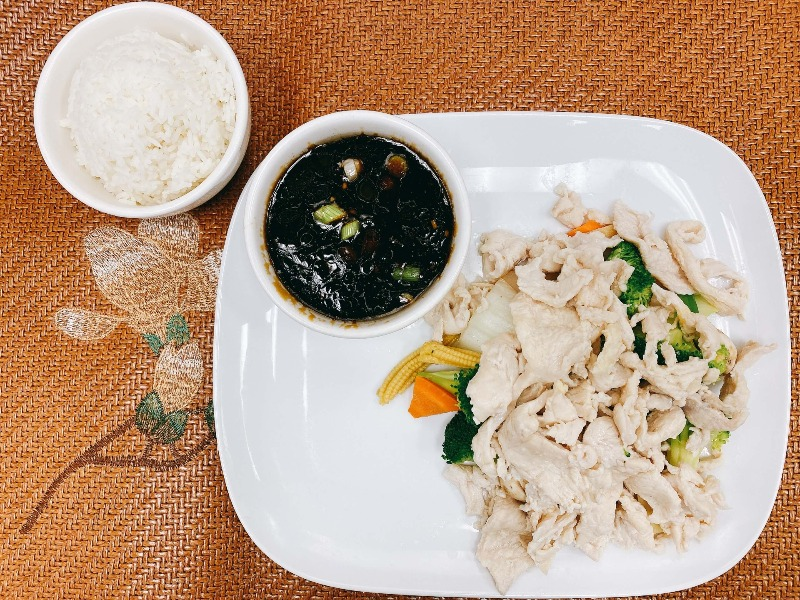 HO2. Mixed Vegetable with Chicken