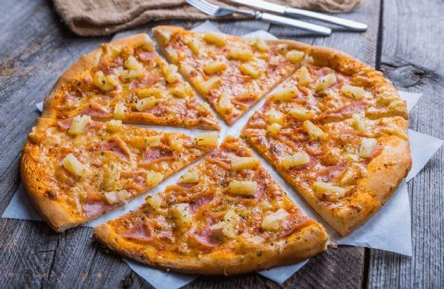 Hawaiian Pizza Image