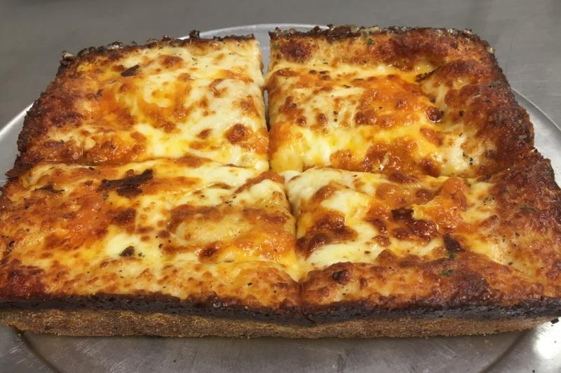 Pan Baked Garlic Cheese Bread Image
