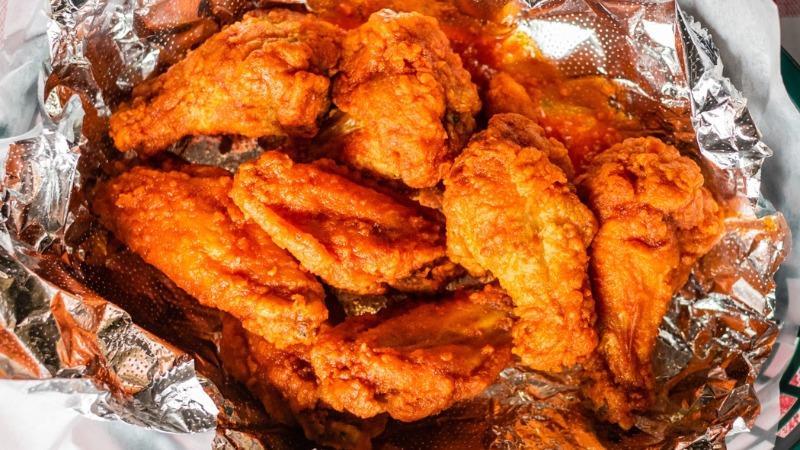 Buffalo Chicken Wing Dinner Image