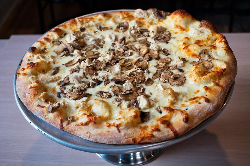 Garlic Chicken Alfredo Pizza