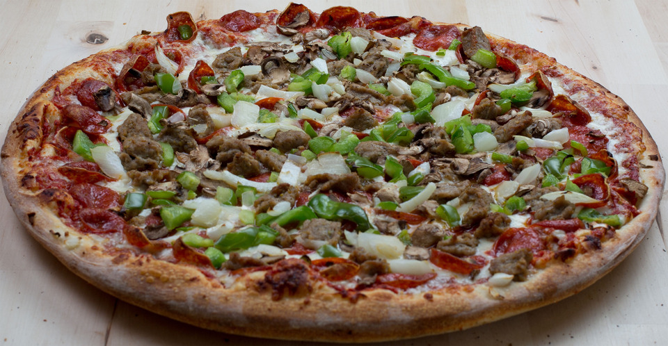 Deluxe Combo Pizza Image
