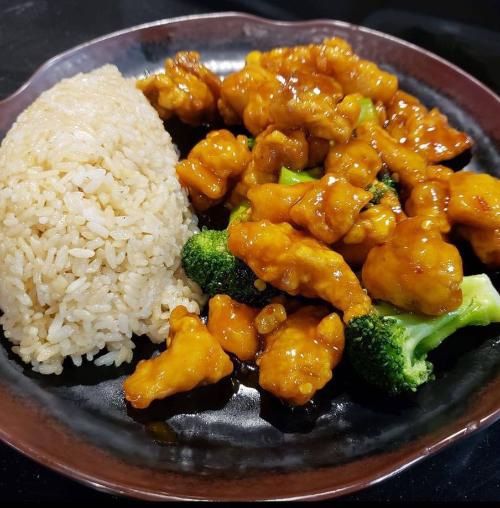 Sesame Chicken Dinner Image