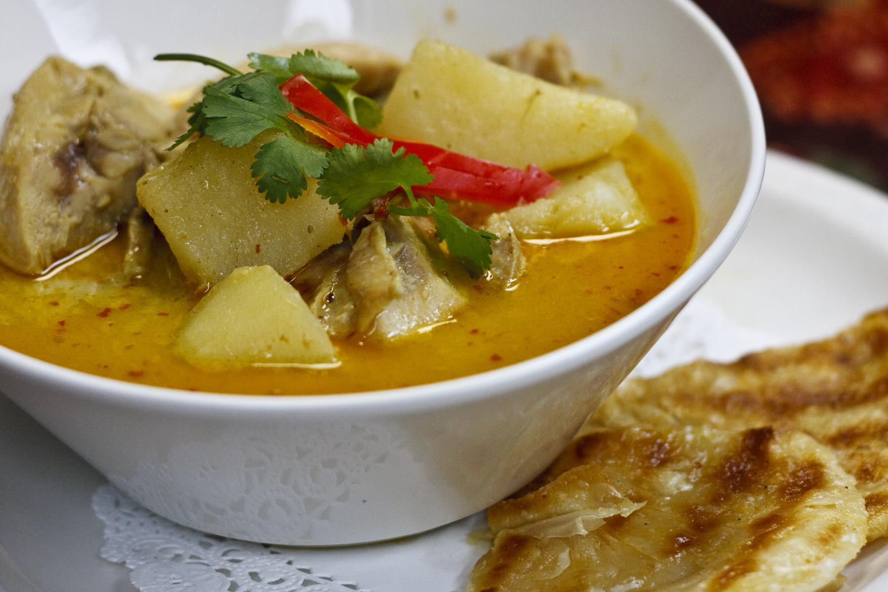 (37) Yellow Curry Chicken With Roti Image