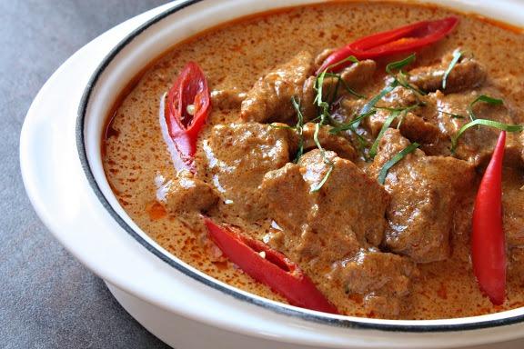Panang Curry (พะแนง)