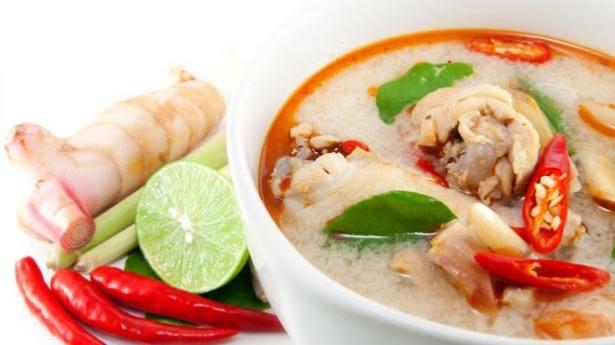 Tom Kha Soup (ต้มข่า)