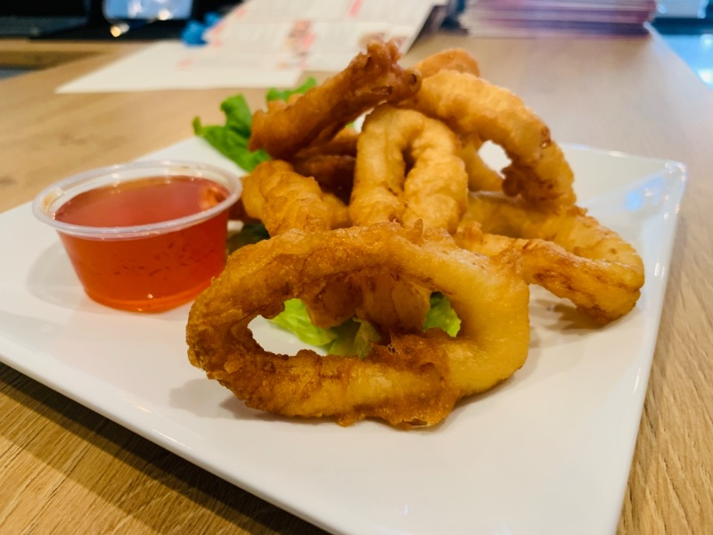 Fried Calamari (หมึกทอด)