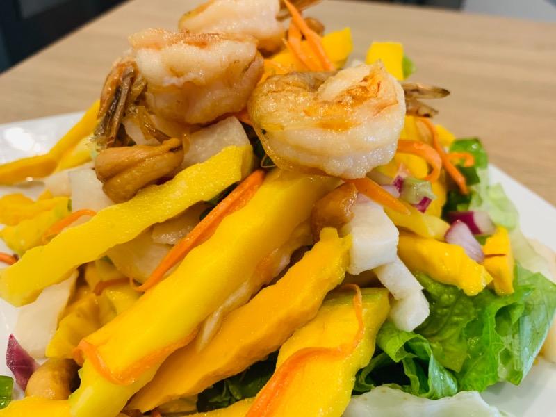 Mango Salad (ยำมะม่วง) Image