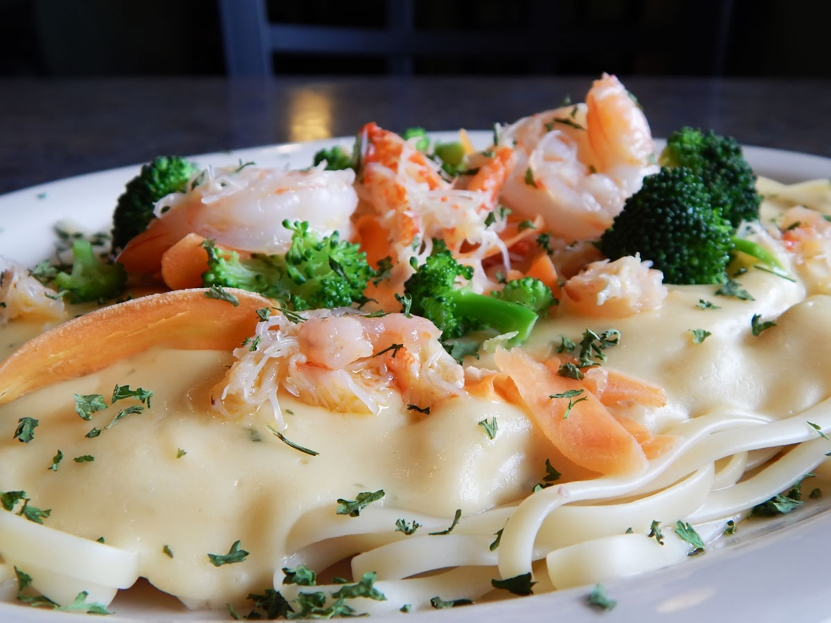 Seafood Alfredo Image
