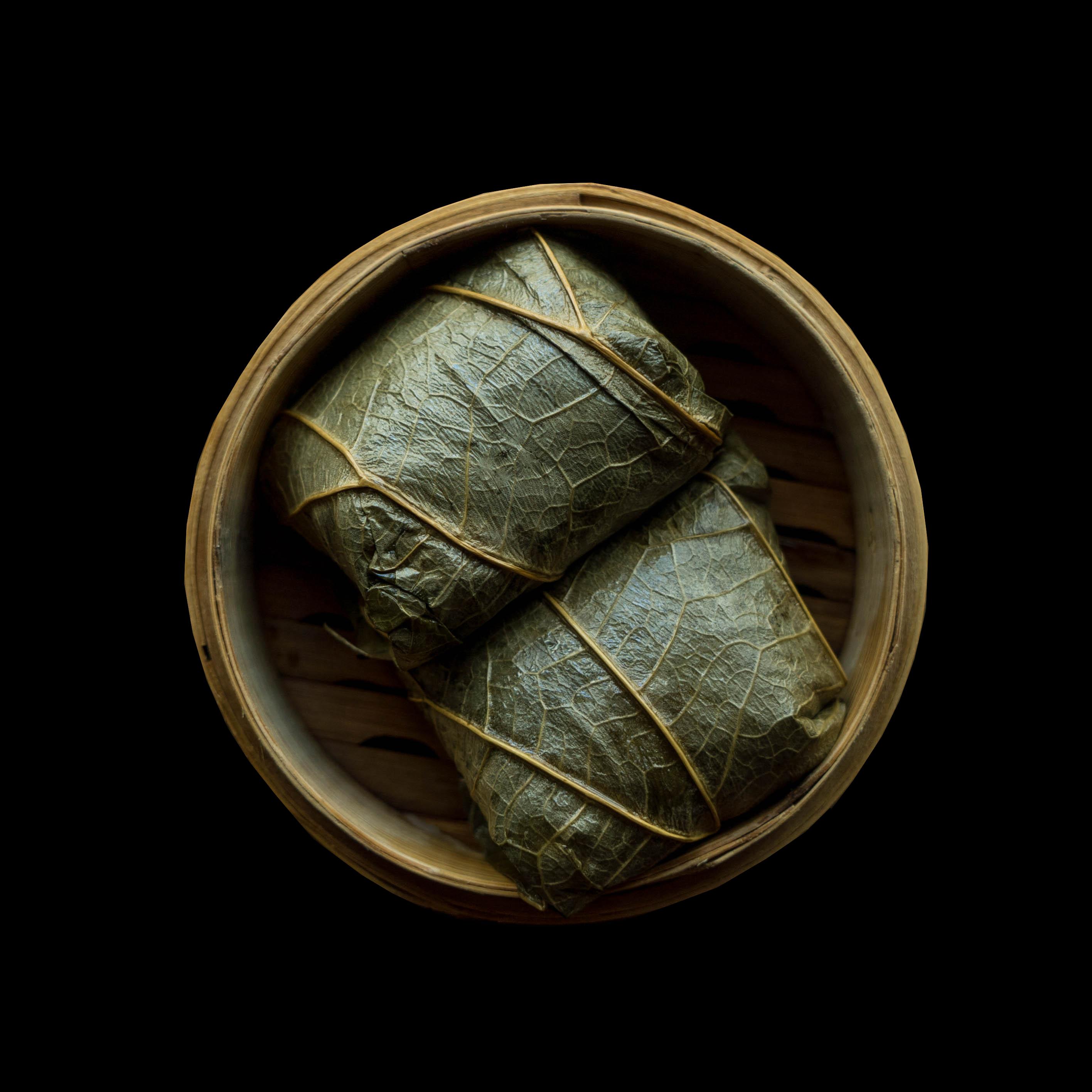 13. 糯米鸡 Lotus Wrap