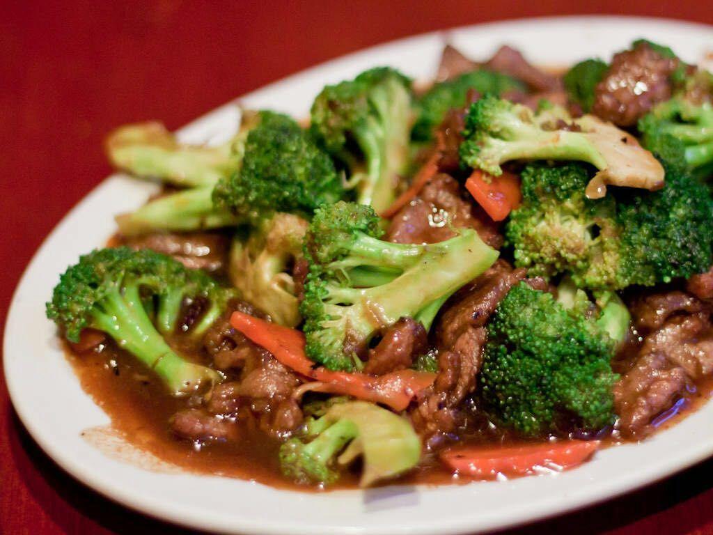 C11. Beef w. Broccoli 芥兰牛 Image