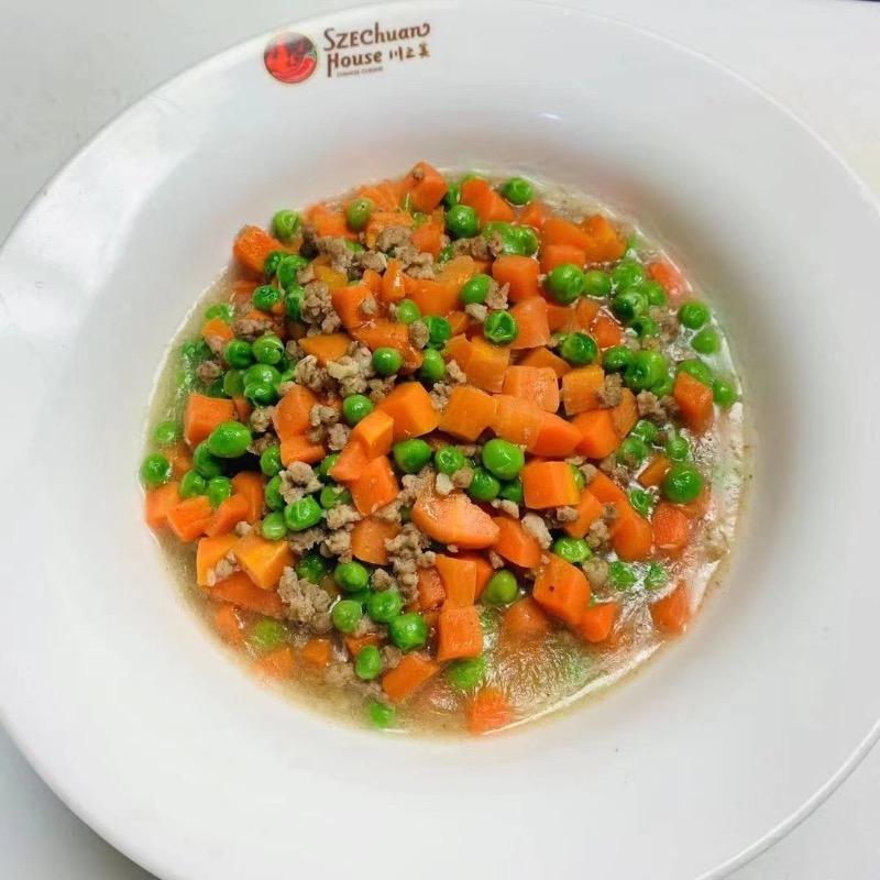 肉臊烩青元 Braised Green Pea with Minced Pork