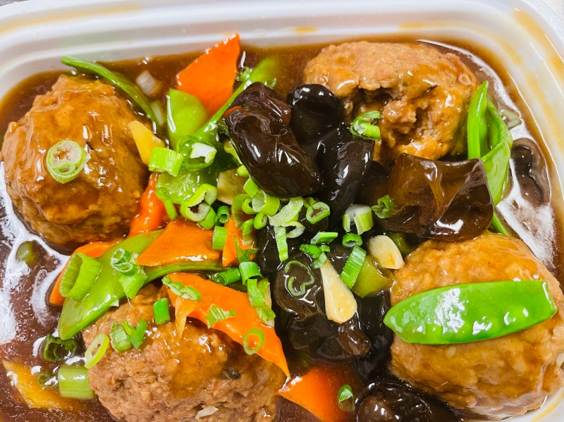 35.四喜丸子 Braised Big Pork Meat Ball in Brown Sauce