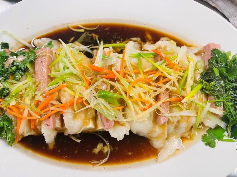 3. 巧妇豆腐鱼 Steamed Fish w. Tofu